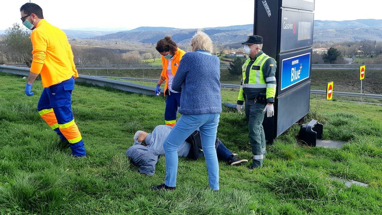 La Guardia Civil denunció numerosas infracciones en tan solo24 horas.Imagen de un control de tráfico semejante al que fue parado el hombre el pasado jueves a la altura de O Porriño