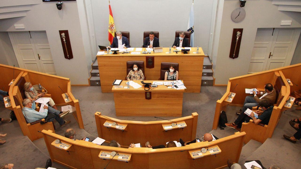 Presentación de una vivienda de madera en Outón (Outeiro de Rei).Sesión plenaria de la Diputación de A Coruña
