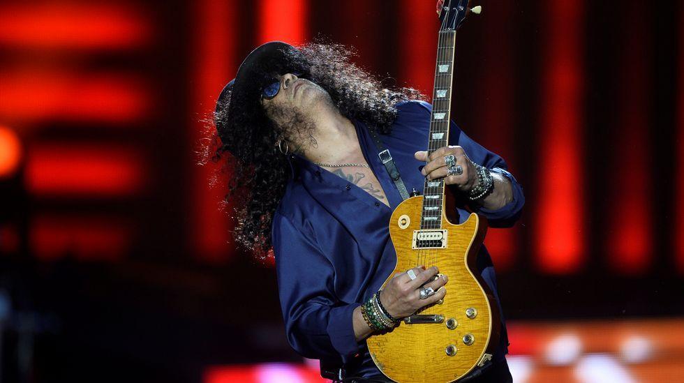 Cerca de 40.000 personas vibran en Bilbao con el rock de Guns N' Roses