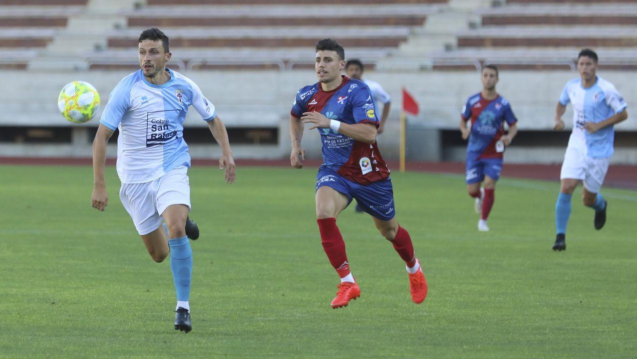 Partido en el Molinón entre el Sporting y el Lugo. Posible penalti de Cristian Herrera