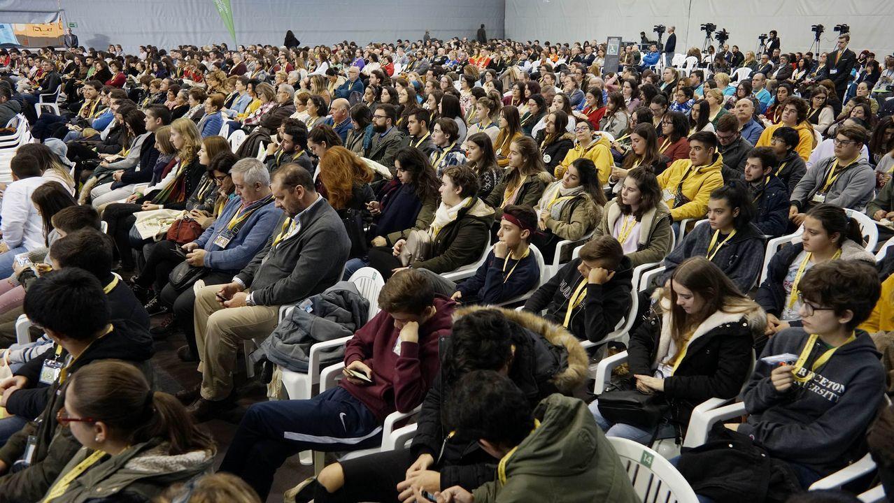 El congreso de voluntariado, en imágenes.Hyde-Smith recibe la felicitación de un seguidor