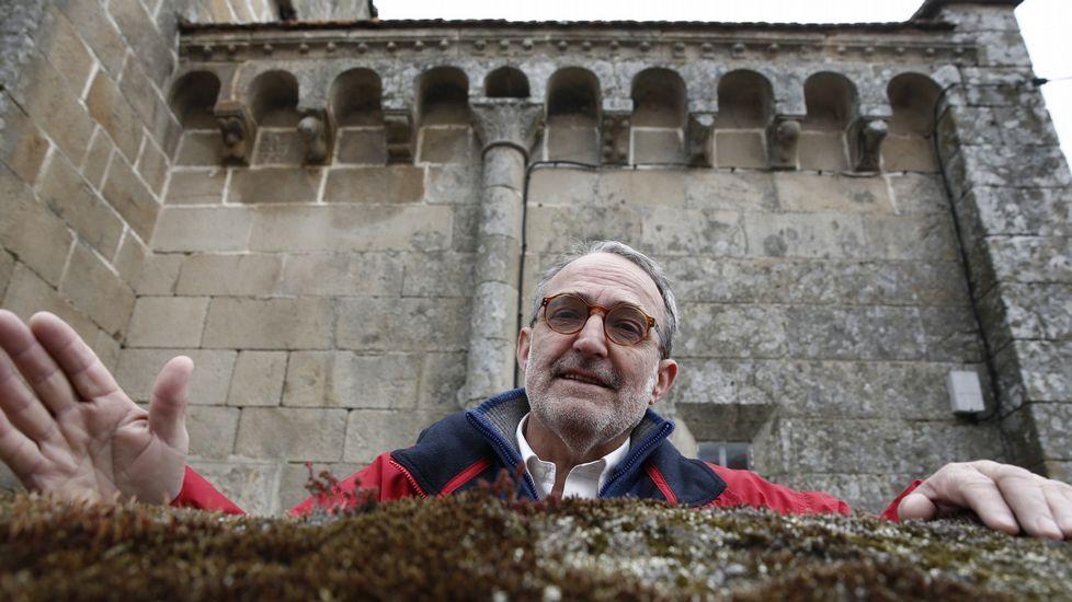 Carlos Baliñas, amigo e colaborador de Otero Pedrayo, na ofrenda de San Francisco.