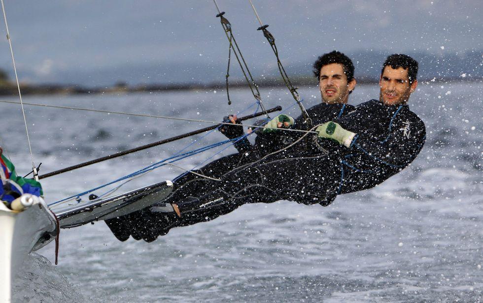 Antón y Carlos salen hoy conscientes de que un mal día los puede expulsar de los 25 mejores.