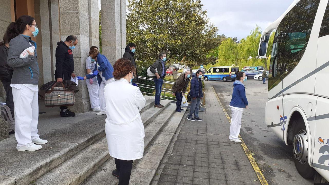 Traslado de los pacientes de Piñor a la casa de Ejercicios, que pertenece al Obispado