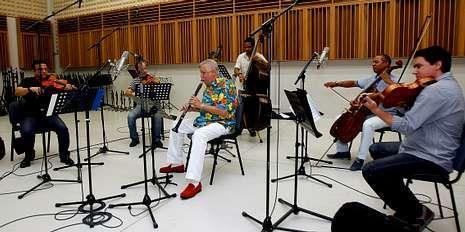 D?Rivera ensayó ayer con el Quinteto Cimarrón en los estudios Mans.