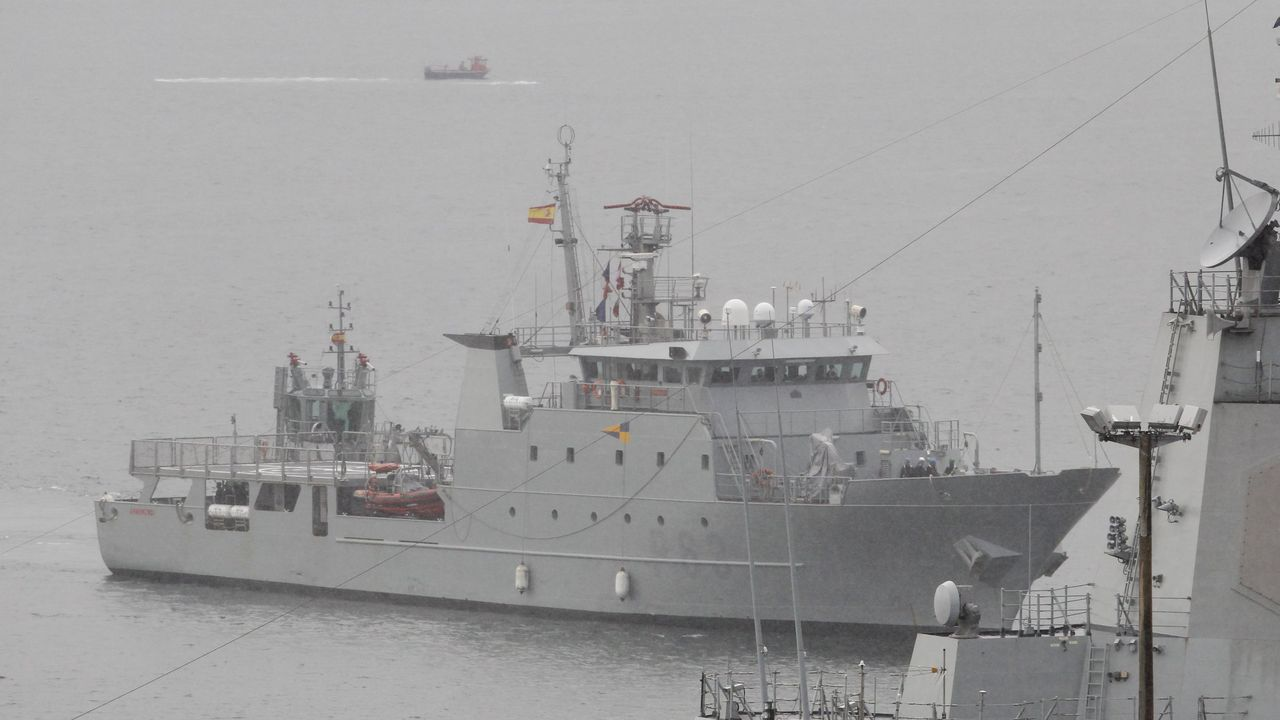 La Álvaro de Bazán tuvo una estrecha colaboración con el buque alemán FGS Berlín