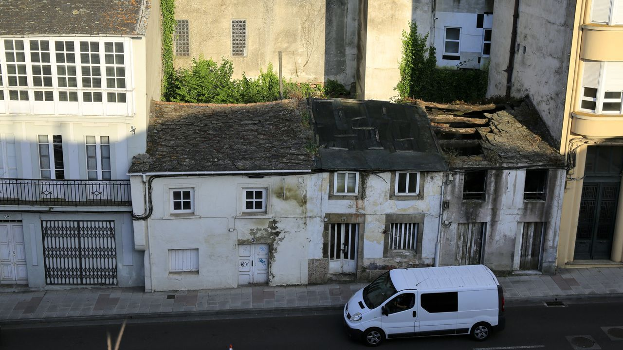 Edificio junto a la Mosquera sin rehabilitar y en peligro de derribo