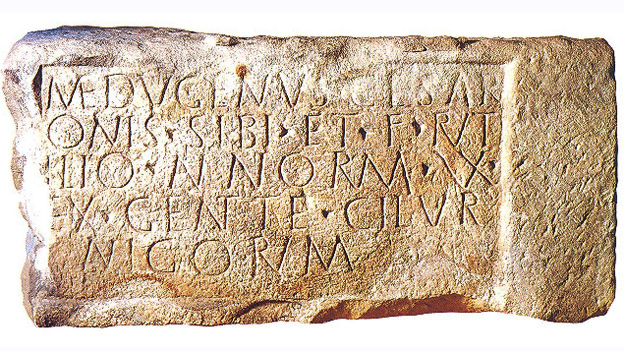 La famosa estela del guerrero astur Pintauis,  que deja constancia de su presencia entre las filas de las legiones romanas