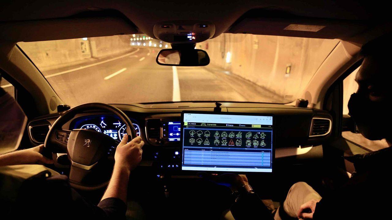 Cómo puede ayudar a los conductoresel 5G.Sala de control del 091 en A Coruña