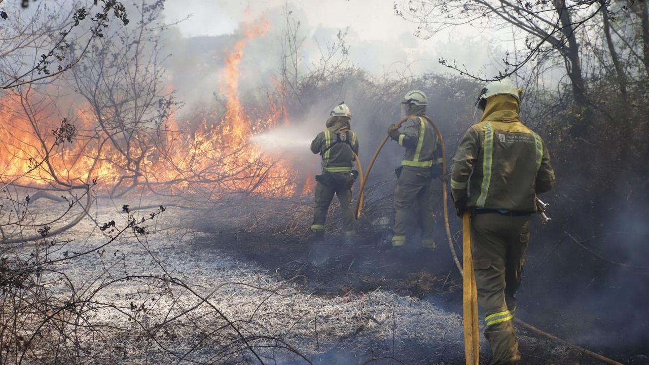 Imagen de archivo de un incendio en Rianxo