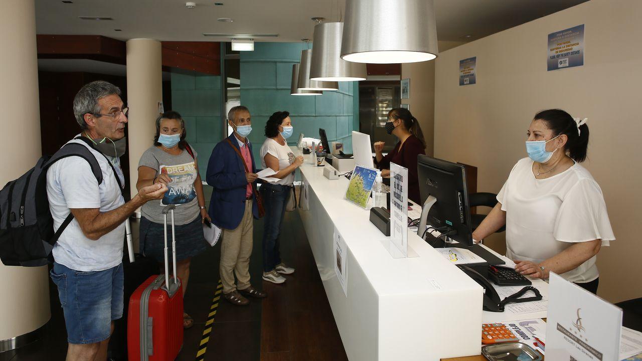 Cadena humana en Parga, el sábado, para pedir la reapertura total del centro médico