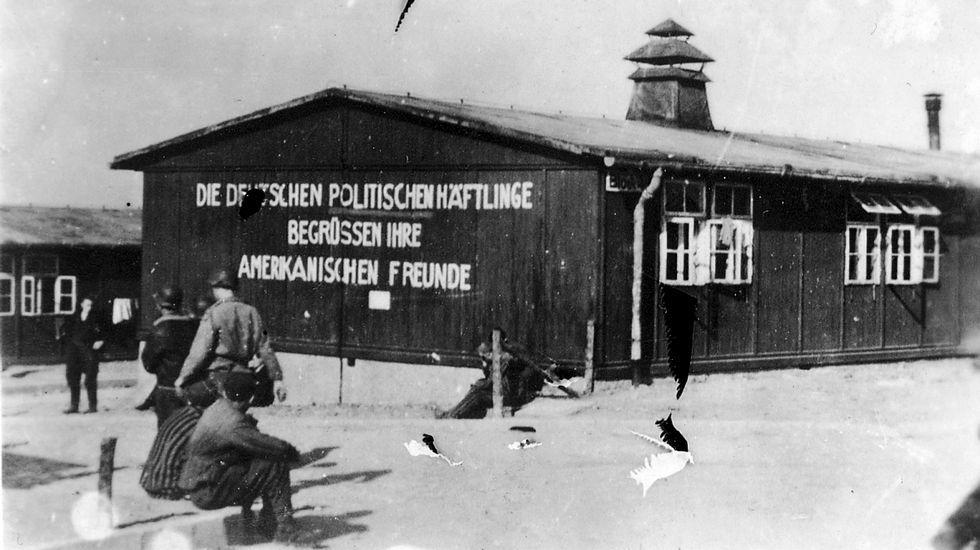 Francisco Serrano (Vox): «La brecha salarial es una gran mentira».Barracones del campo de concentración de Buchenwald, en una fotografía histórica