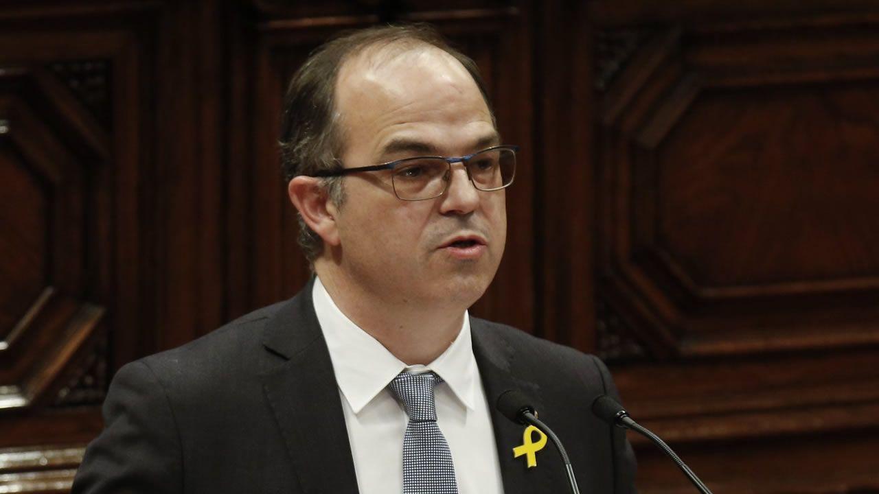 El exconsejero de Presidencia y portavoz del Govern, Jordi Turull, ha sido condenado a 12 años de prisión y 12 de inhabilitación absoluta por delito de sedición en concurso medial con un delito de malversación de fondos públicos agravado en razón de su cuantía.