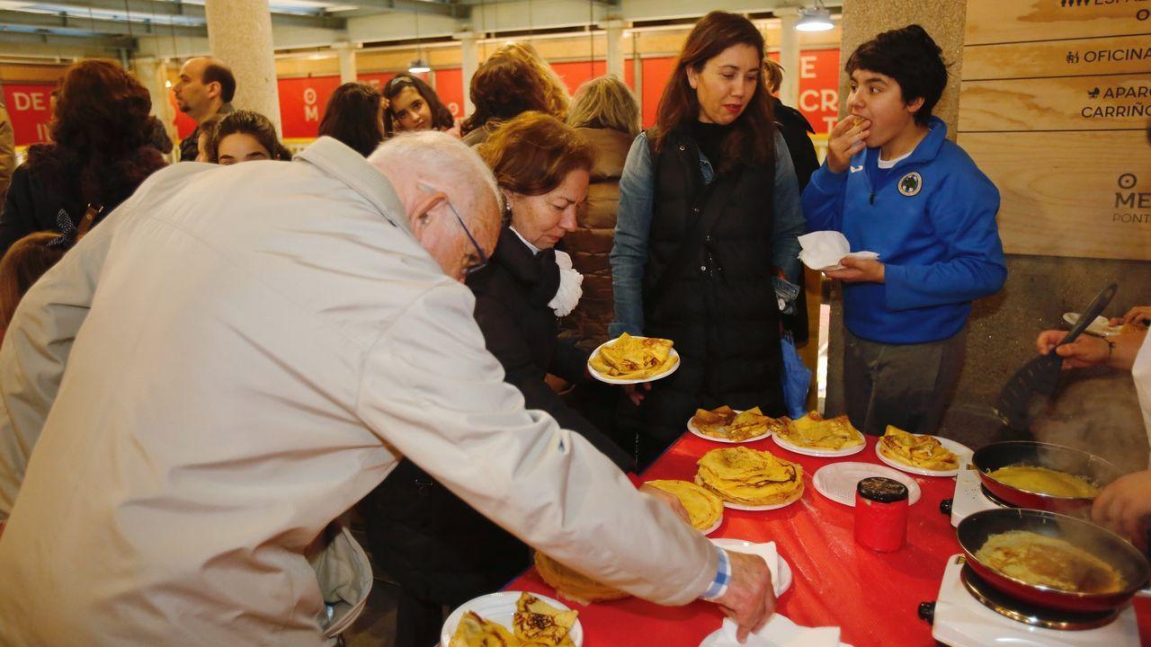 Radio Voz endulza el Entroido pontevedrés.Participantes en la fiesta de Coirós