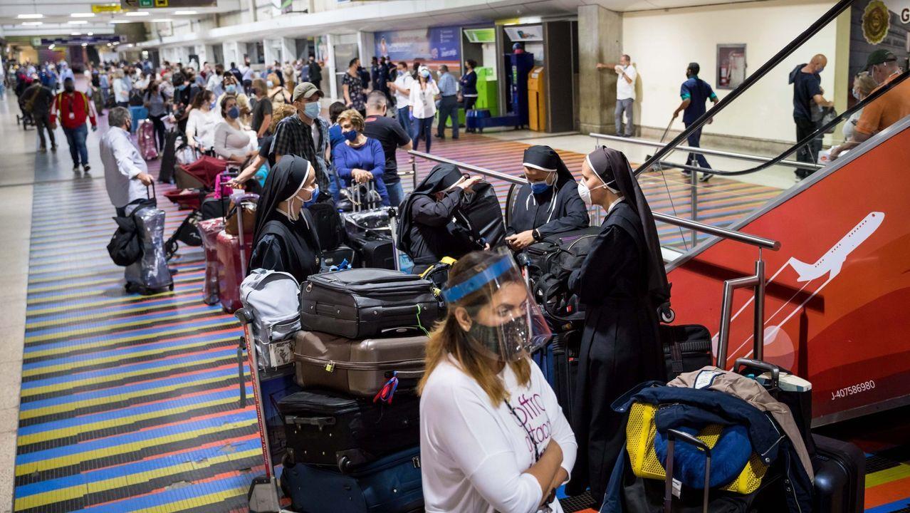 Colas el pasado 4 de julio en el aeropuerto de Maiquetía