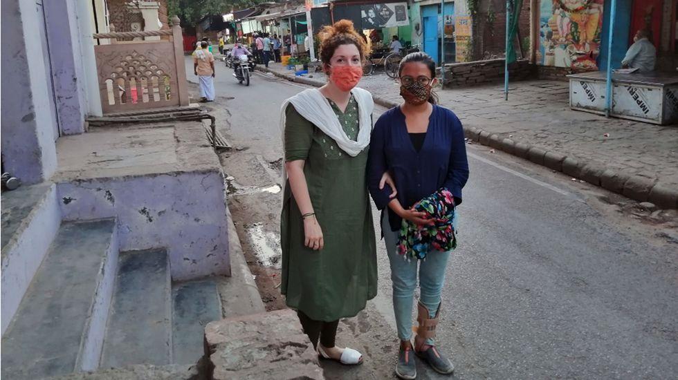 Catástrofe sanitaria en la India.Foto de archivo de una persona con mascarilla quirúrgica