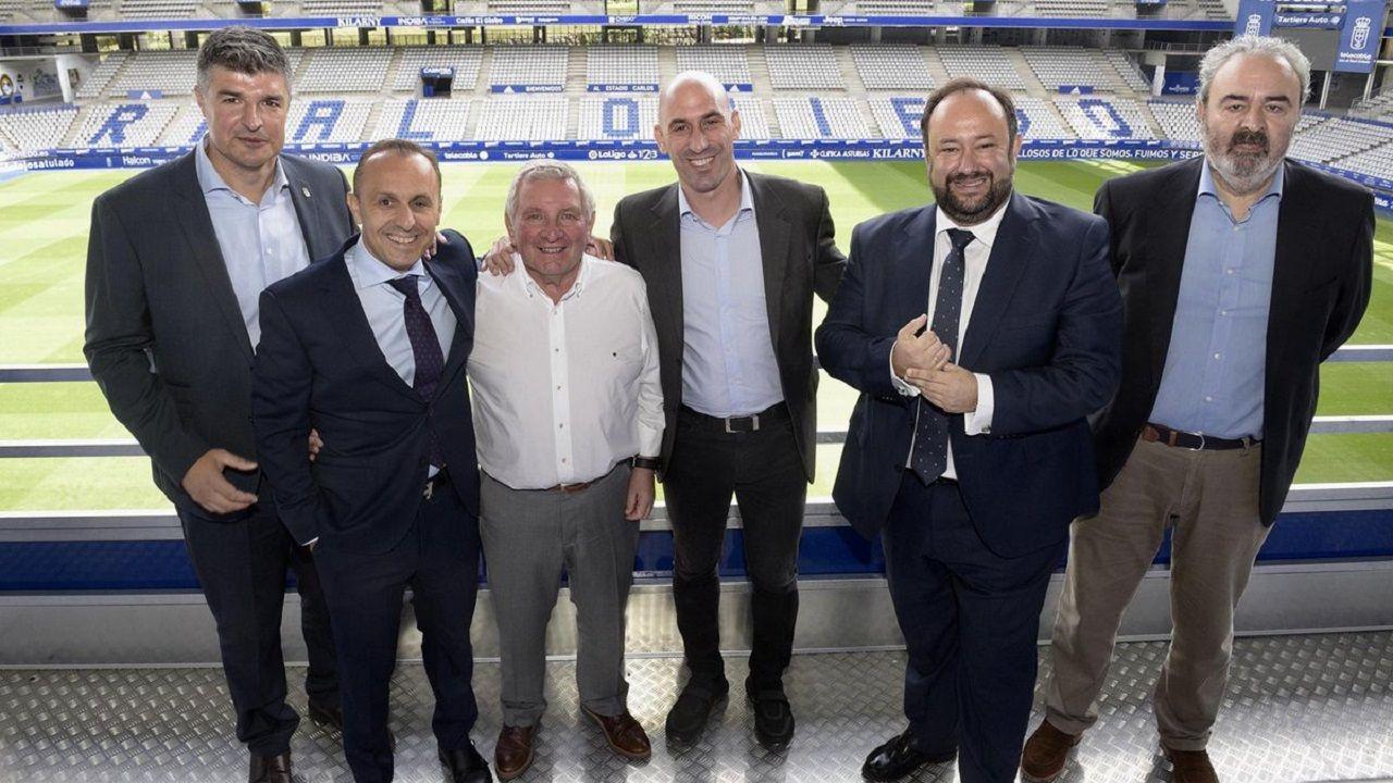 La directiva del Real Oviedo con Maximino Martínez y Luis Rubiales