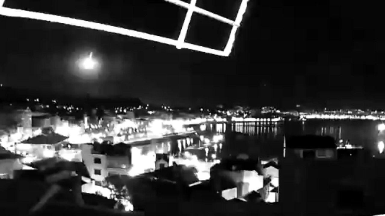 Captura del paso del objeto por el cielo de O Morrazo, captado desde Cangas