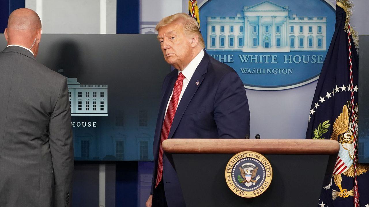La abrupta marcha de Trump de una rueda de prensa