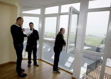 Edificio Miramar en Foz en el que NCG hizo la semana pasada una oferta para 40 apartamentos.