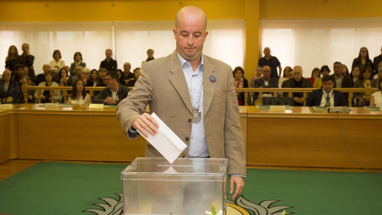Carballo. Alcalde, Evencio Ferrero (BNG)