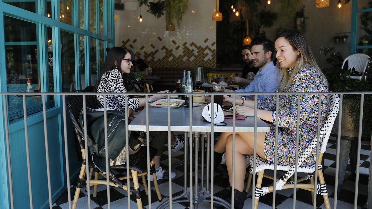 La diputación presenta el final de las obras de musealización del Castro Alobre.El Noa Boutique Hotel de Oleiros es uno de los alojamientos en los que podrán usarse las tarjetas turísticas