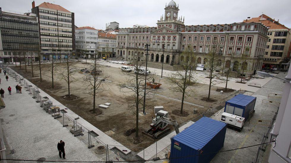 Vista general de la plaza de Armas, con el gran rectángulo que se cubrirá con pavimento de tierra