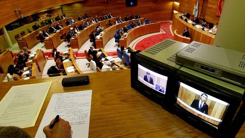 Las imágenes del Debate del Estado de la autonomía.El gobierno de Ourense cifra en 14 millones el precio del edificio de la nueva estación.