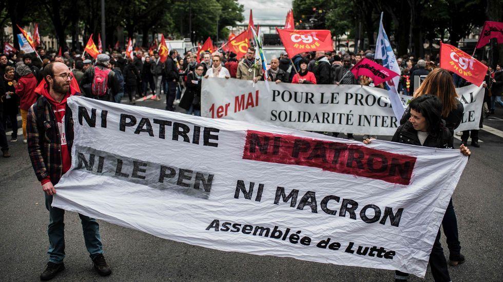 «Cobrando viajes de 15 euros a 7 están hundiendo el sector». Salón do reloxo, desde o cal Schuman fixo a declaración redactada por Jean Monnet