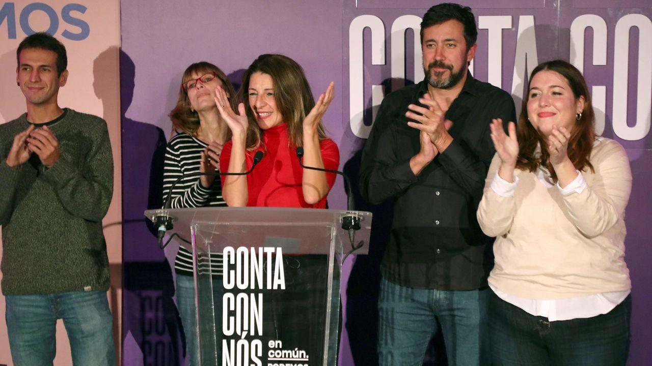 Los candidatos de Unidos Podemos celebrando los dos diputados de la formación en Galicia