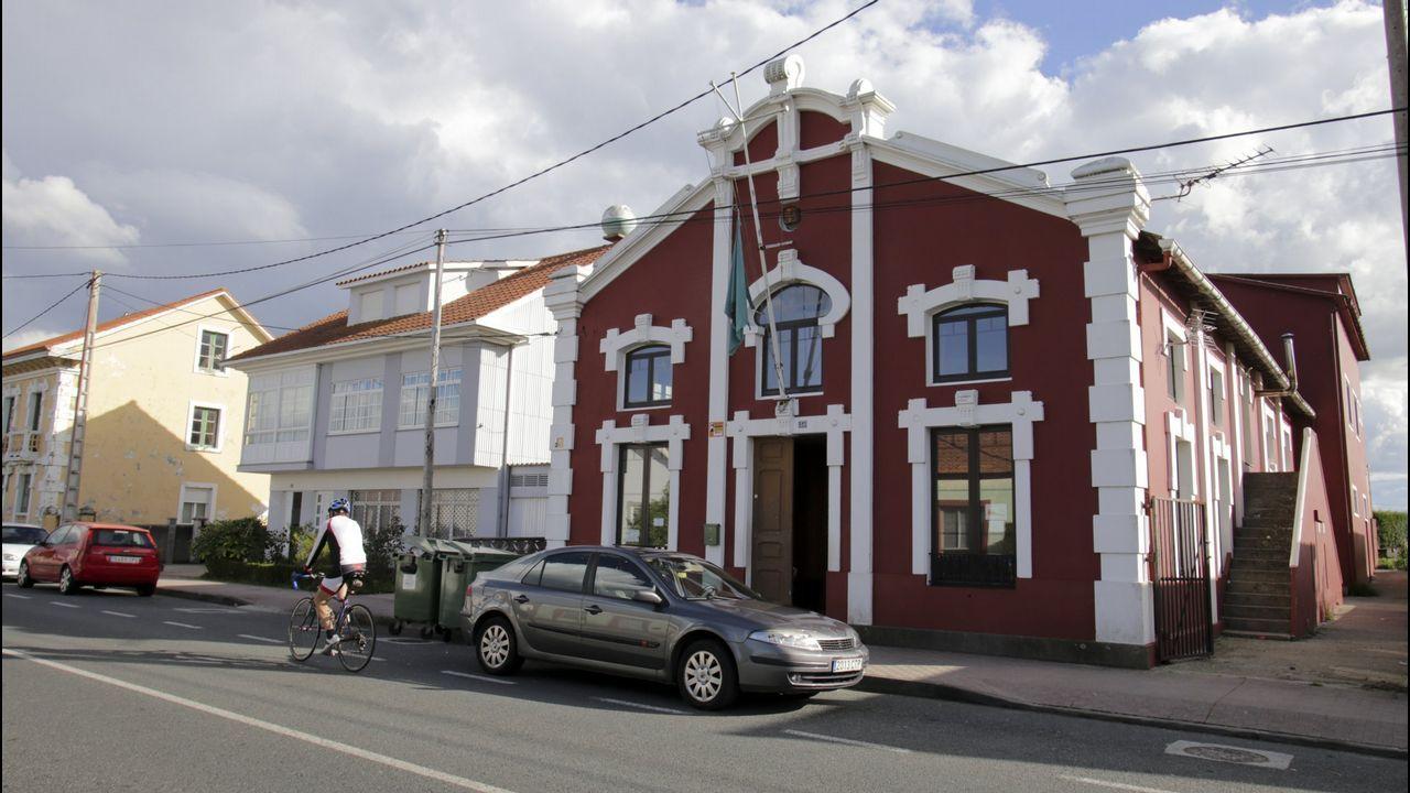 Así fue la recogida de muestras en el centro de salud de A Ponte.En el área sanitaria de Ourense se han hecho 17.567 PCR