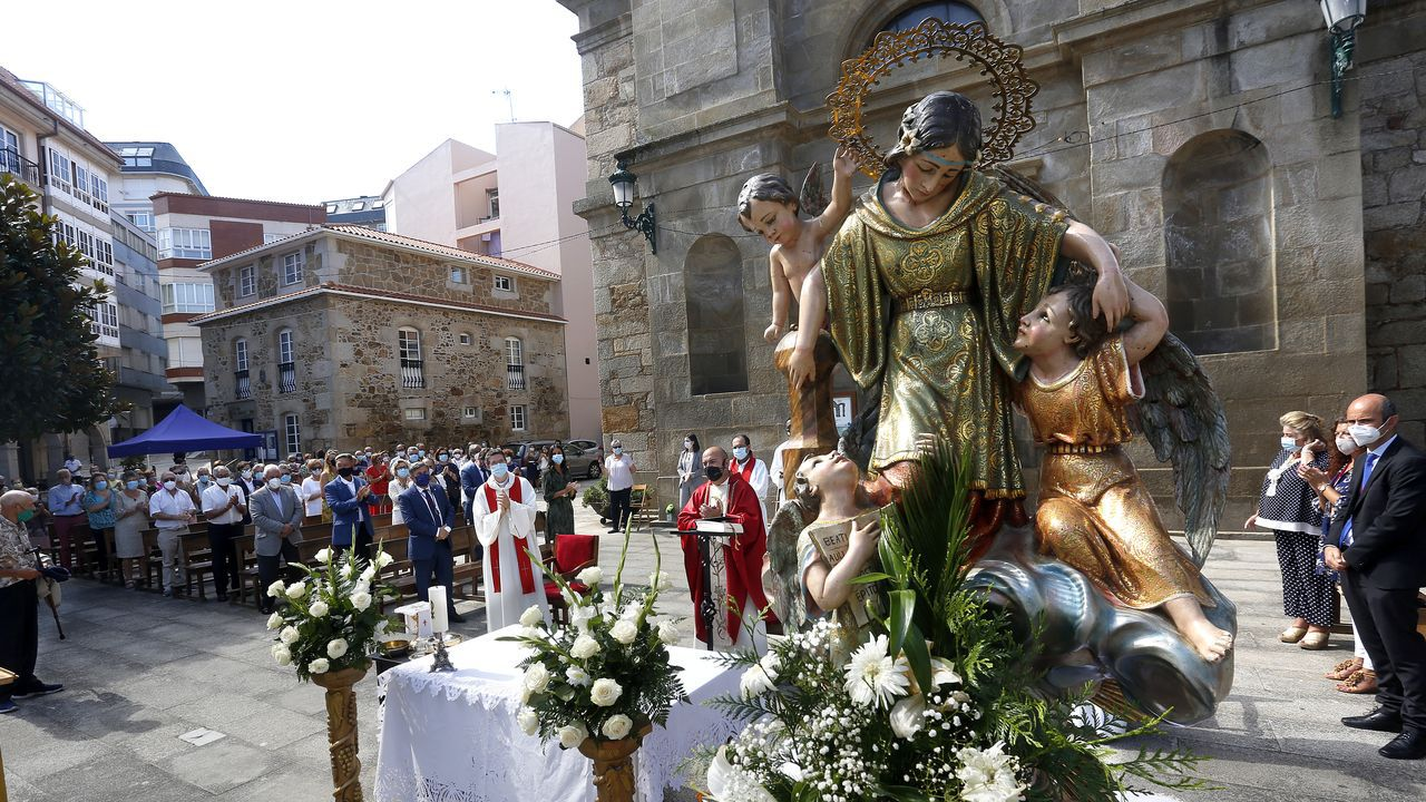 Álbum de fotos: Santa Uxía se impuso al covid para celebrar su patrona más atípica