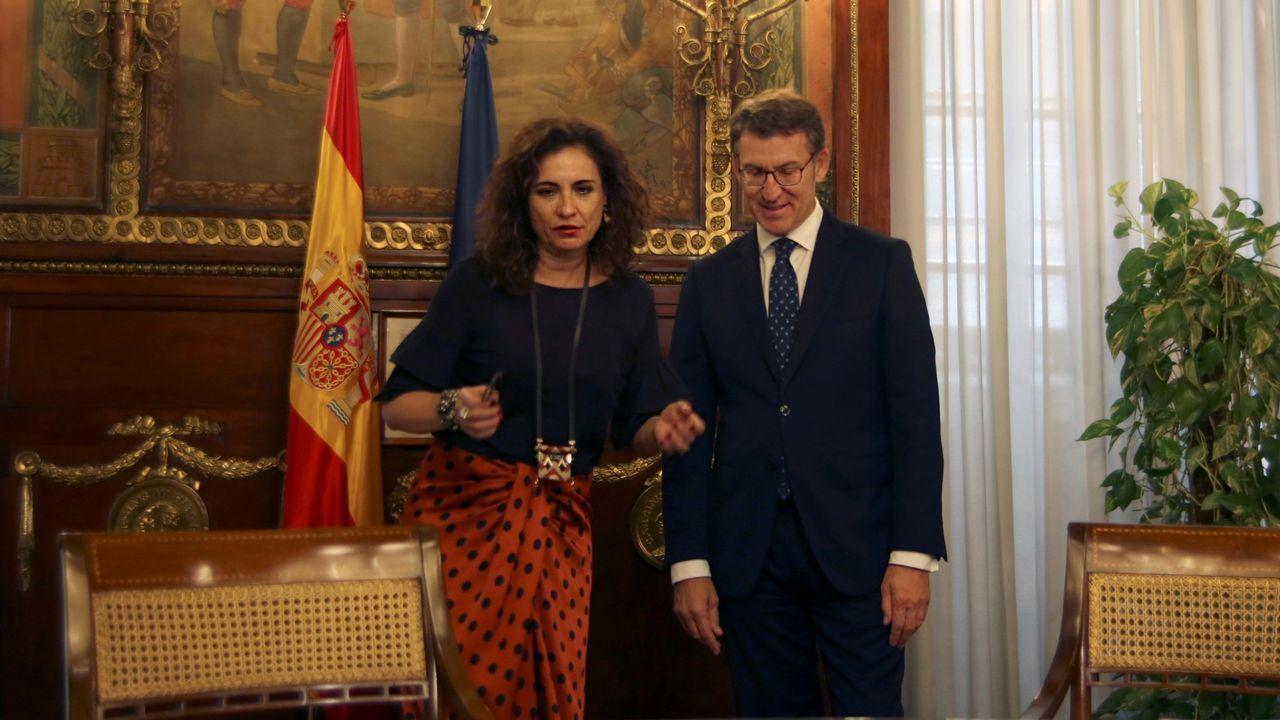 La ministra de Hacienda y el presidente de la Xunta durante una reunión en Madrid