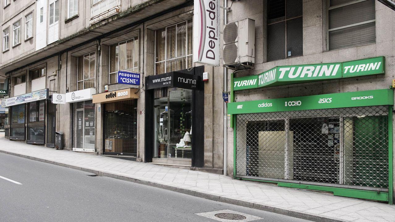 Imagen de los comercios cerrados en la avenida de la Habana