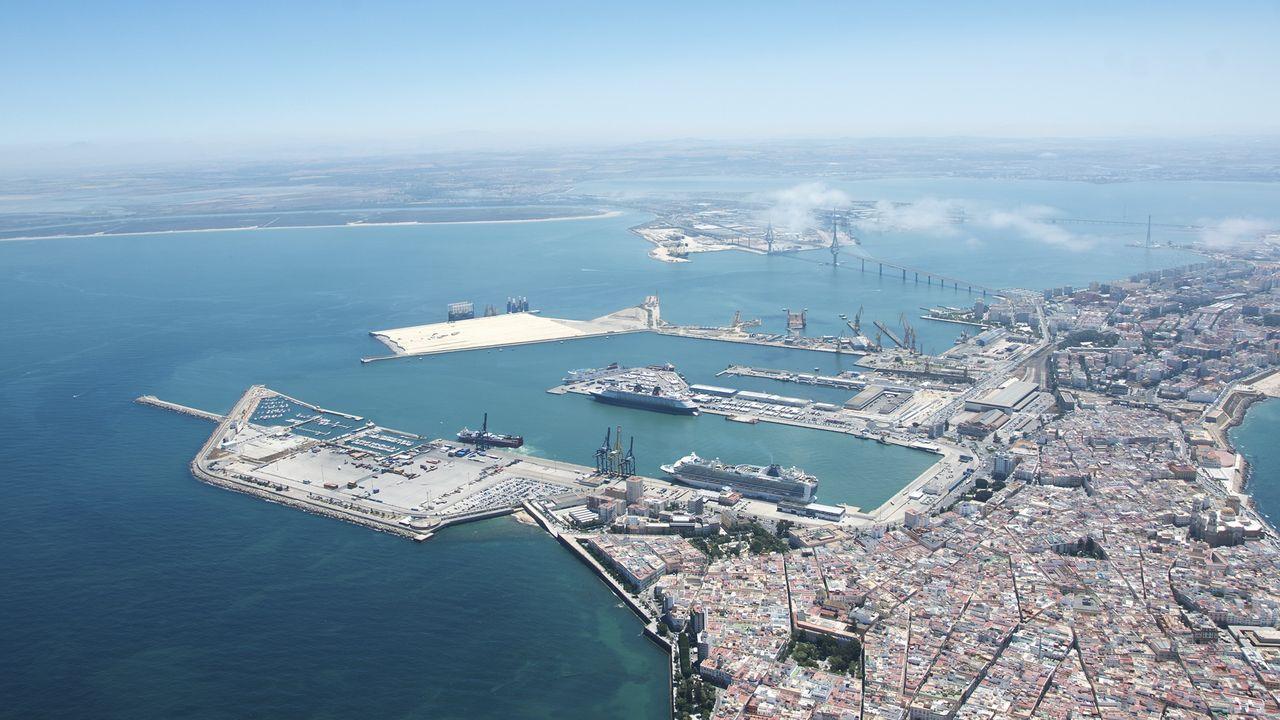 Imagen de archivo del puerto de Cádiz