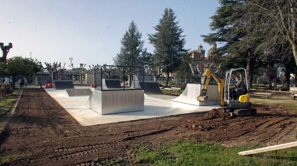 Trabajos de acondicionamiento de la zona en la que irá la pista de skate