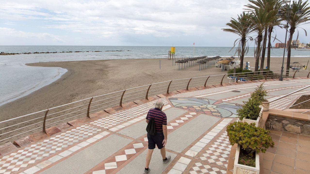 Las playas andaluzas reducirán su aforo alrededor de un 50 % este verano
