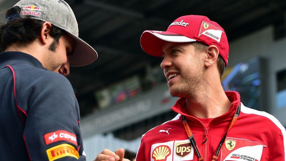 Puesta a punto para la temporada en Montmeló.Fernando Alonso se pone el casco antes de salir a la Q3 del gran premio de España, en Montmeló.