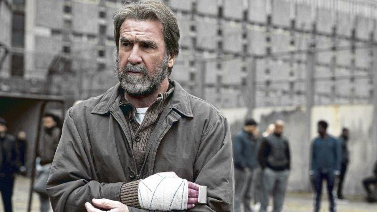 Cantona en la serie «Recursos inhumanos»