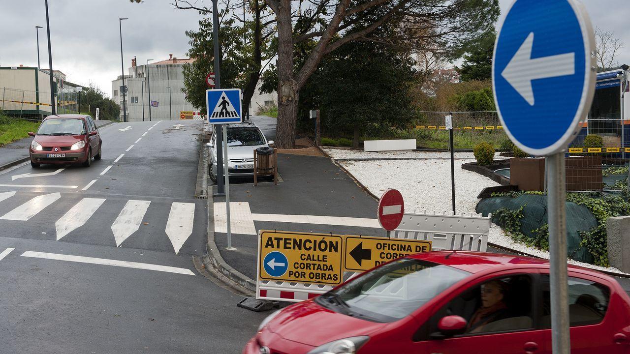 Algunas de las calles en peor estado de la ciudad.Nina Sefcik, eslovaca, está afincada en A Coruña desde hace un año y medio