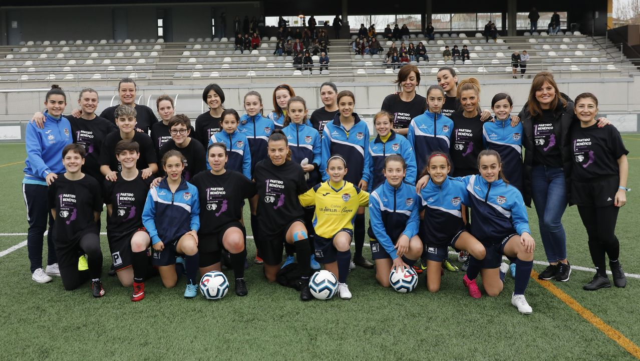 Goles para reivindicar el Día da Muller.La Escola de Fútbol Femenino Rosalía y un combinado de mujeres representativas de la sociedad ourensana jugaron por un fin benéfico