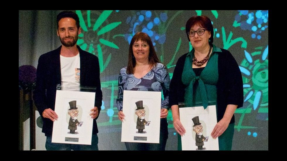 tiago Alves, Charo Pita e Mercedes Leobalde, no acto de entrega dos premios
