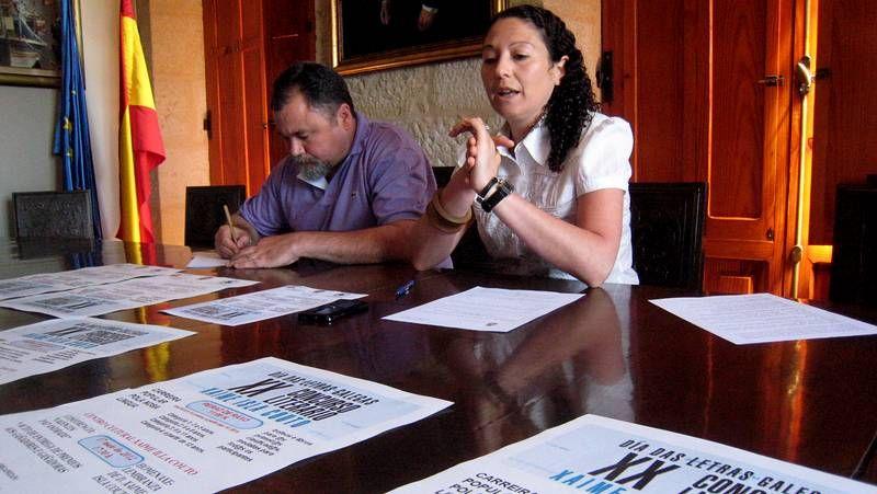 Xaquín Agulla y Silvia Díaz presentaron en Poio el programa de actos por el Día das Letras Galegas