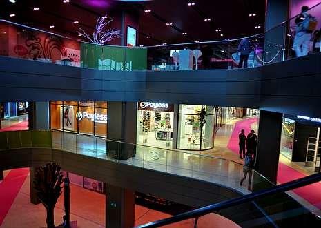 Imagen del interior del centro comercial del complejo Anfaplace, inaugurado ayer en Marruecos.