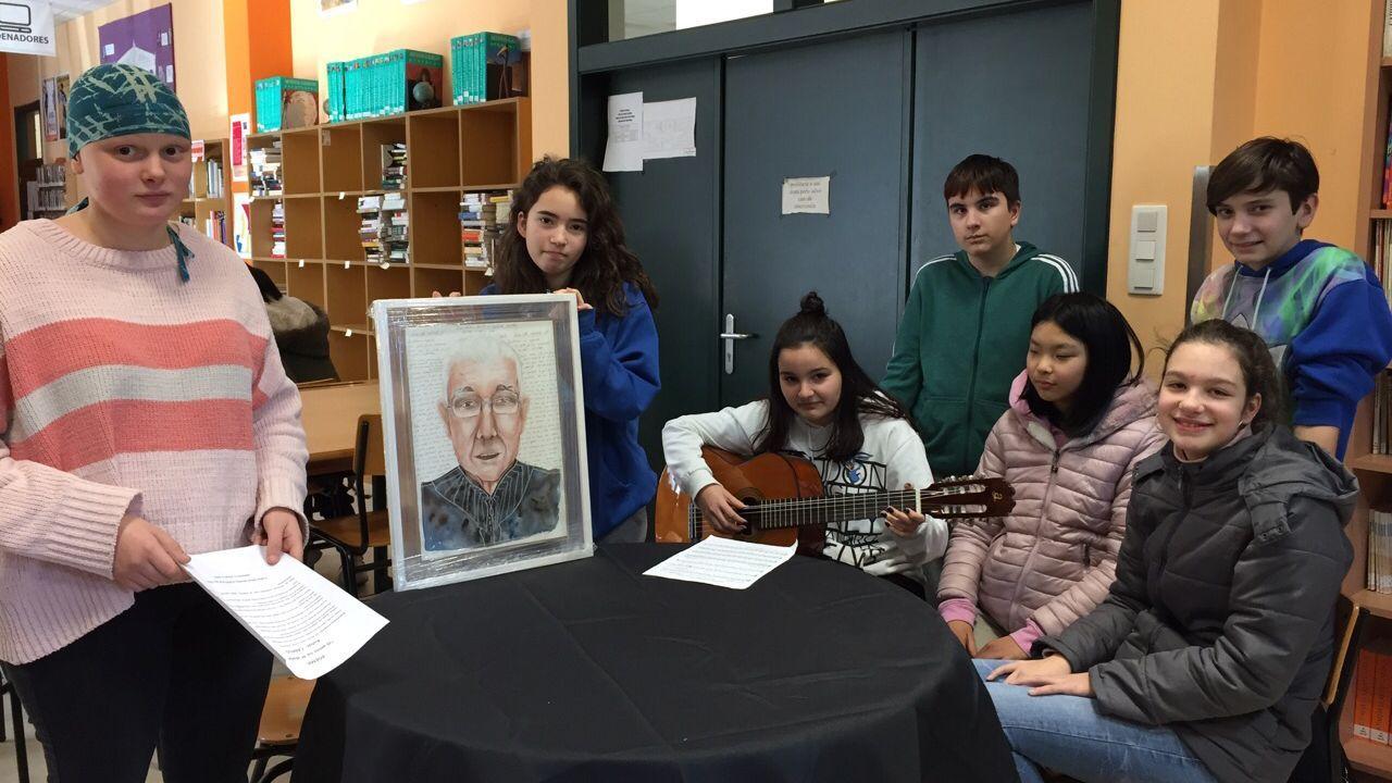 Alumnos de teatro del ÍES ase Allariz recitan un poema escrito por un mayor por san Valentín. Yoko Ogawa y Chizuka son dos lesbianas japonesas que reclaman que el matrimonio homosexual se normalice en Japón