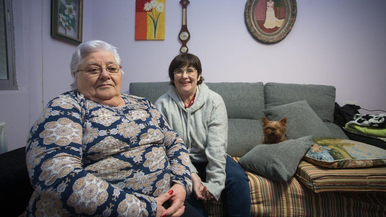 A la izquierda la madre, Erundina Rodríguez, y a la derecha la hija y afectada, Susana Abuín, hablan de su historia de superación