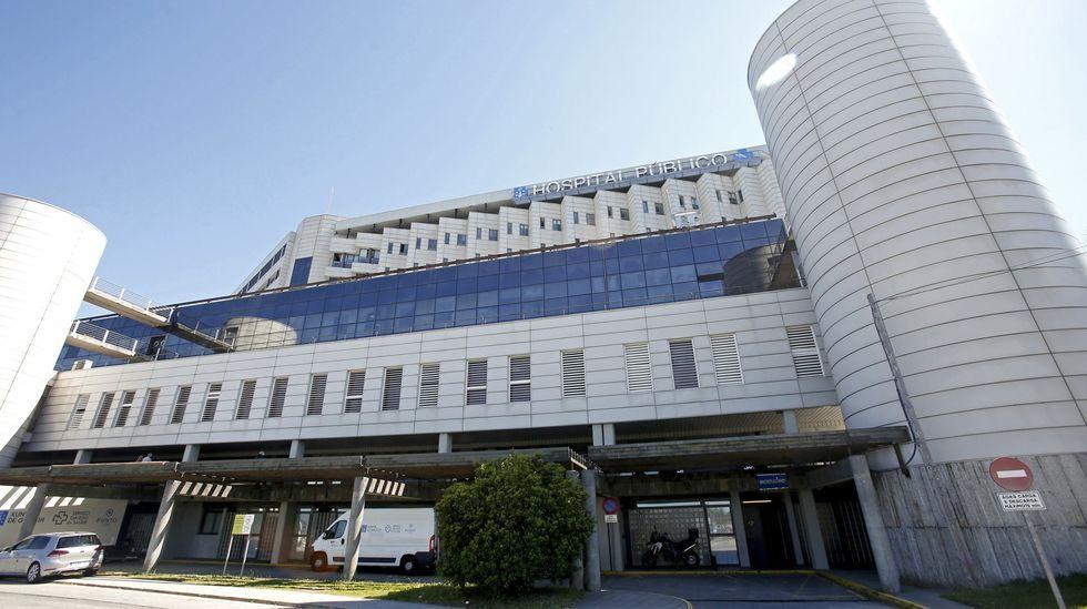 Los ciclistas desafían al mal tiempo en Pontevedra.Siete pacientes permanecen hospitalizados por covid en planta y uno en la uci en Montecelo