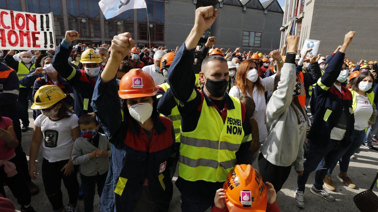 Protestas de los trabajadores de Alcoa San Cibrao delante de la fábrica.Gonzalo Caballero, secretario general del PSdeG
