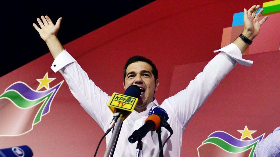 Alexis Tsipras toma posesión como primer ministro.