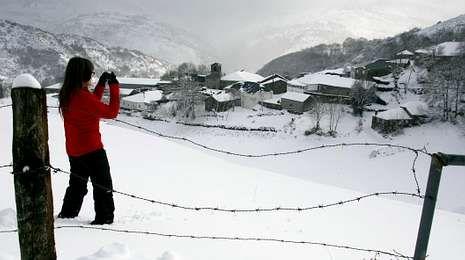 A Teixeira, cubierta de nieve el lunes.